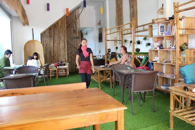 Green on Peace cafe&bar(グリーン・オン・ピース カフェ&バー)店内画像
